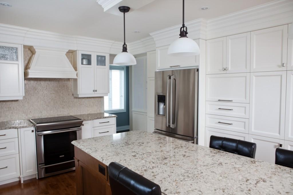 Porte d 39 armoire avec micro rainure for Moulure armoire cuisine